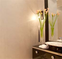 Perlata: ArmourColor Perlata in private bathroom